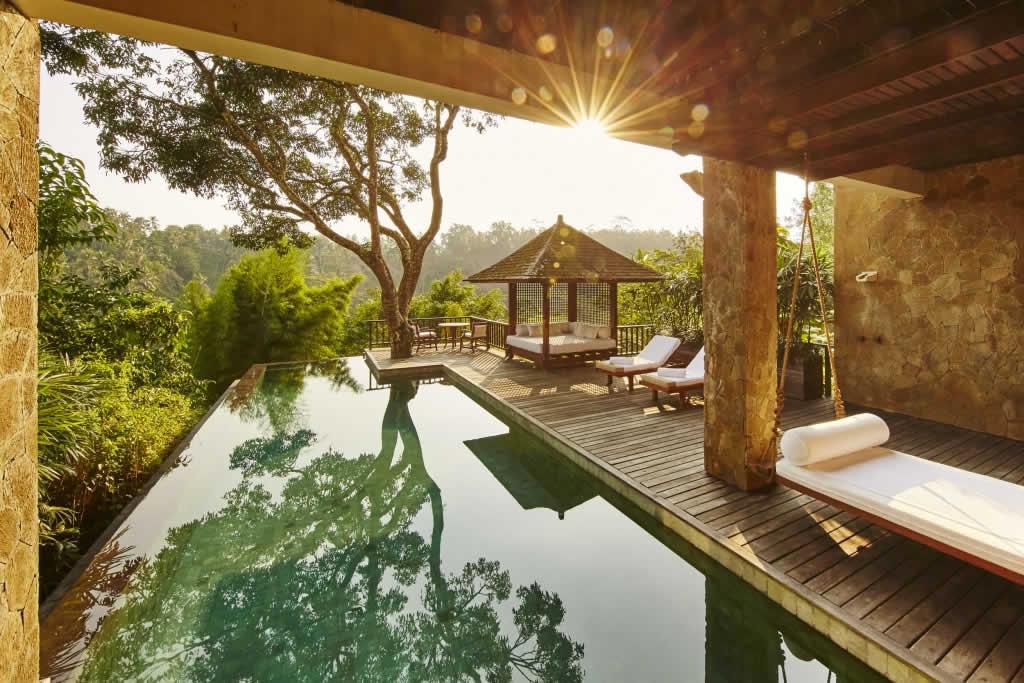 Wix Squared Testimonial - Honeymoon to Indonesia
